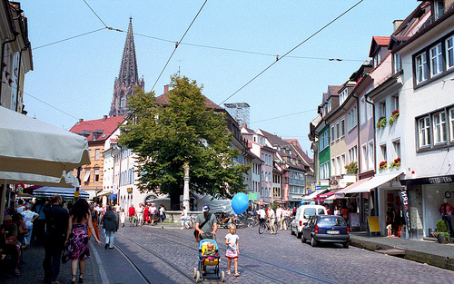 A new Brookings report points to policies in Germany that encourage compact, mixed-use development, suitable for walking or cycling, like this space in Freiburg. Photo by redskunk.