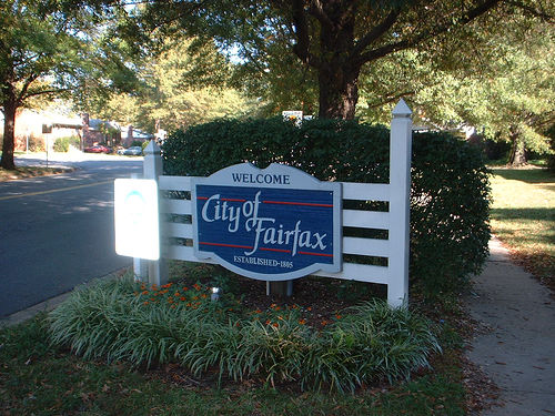 A sign from the already-existing City of Fairfax. Flickr photo by teejayhanton.