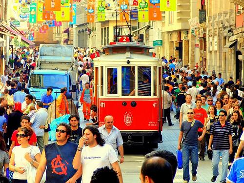 Sunday afternoon along the tramway. Photo by E&G PhotoPage.