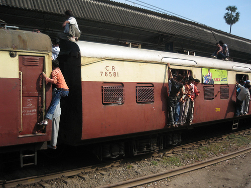 A new $430 million World Bank grant will help Mumbai's suburban train relieve overcrowding and operational efficiency. Photo via stefanx80.