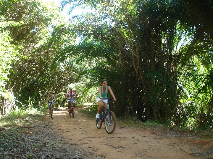Victoria Broadus, the newest full-time blogger for TheCityFix, takes a bike ride through a city park in Salvador, Brazil. Photo courtesy of Victoria Broadus.