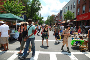 The third annual Williamsburg Walks was held over the past weekend. Bedford Avenue between N 4th and N 9th Sts was closed to traffic on Saturday and Sunday. Photo via nag-brooklyn.org