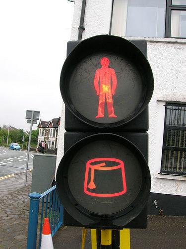 Don't walk -- or wear a fez? Where's this? Photo via Usonian.