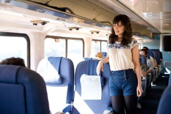 "Zooey Deschanel's character in ""(500) Days of Summer"" makes Los Angeles trains look hip. Photo via IMDB."