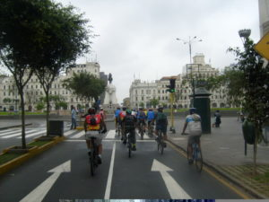 Cyclists in downtown Lima. Photo by Cicoloaxion.