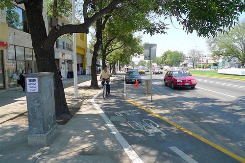 Guadalajara Bike Lane. Photo by ITDP