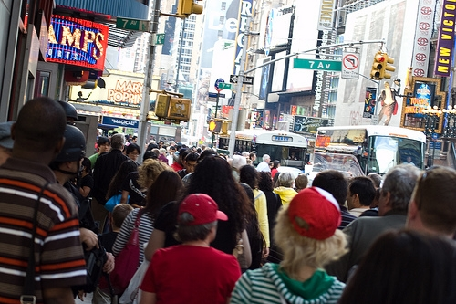 Crowded sidewalks are spurring angry sidewalk ragers. Photo by Andrea Hj,