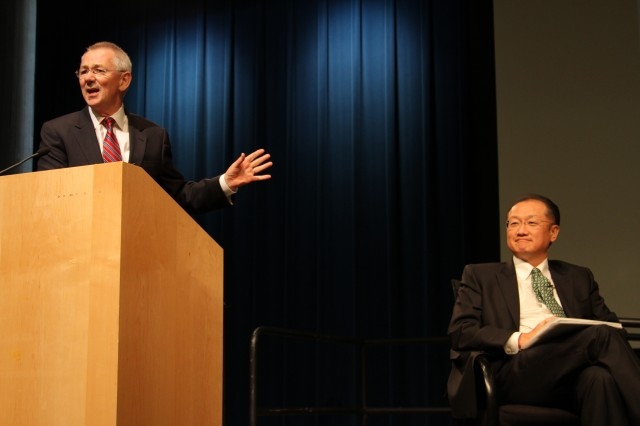WRI President Andrew Steer and World Bank President Kim. Photo by Aaron Minnick.