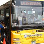 Boarding El Metropolitano BRT in Lima, Peru. Photo by EMBARQ.