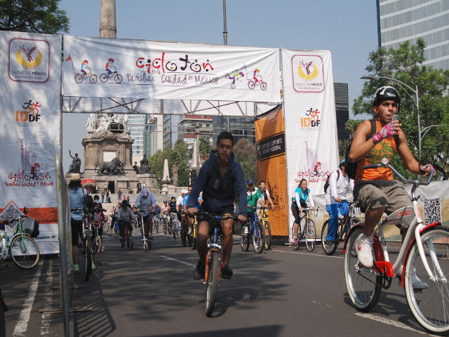 Scenes from Mexico City's Cyclotón
