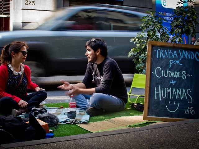 Urban guerrillas in Santiago, Chile. Photo by Claudio Olivares Medina/Flickr.