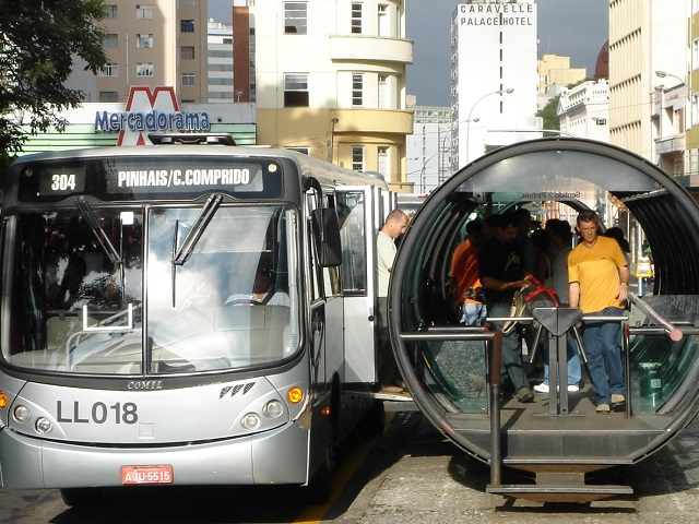 Passengers wait for a bus in Curitiba, Brazil. Photo by mariordo59/Flickr.
