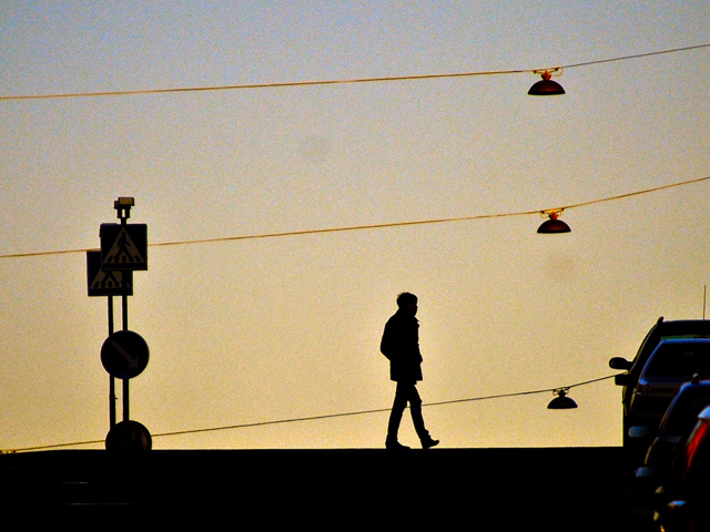 Mobility in a moment: Take a walk. Photo by Patrik Jones/Flickr.