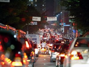 São Paulo's Rua da Consolação is often congested for hours each day, leading residents and city leaders to wonder if other transport modes such as bikes and mass transport can be used to cut down on traffic while increasing sustainable mobility. Photo by Carlos Barretta/Flickr.
