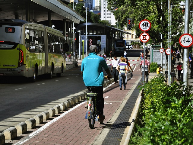 Cities across Brazil are sharing best practices and improving public transport in recognition of citizens' demand for sustainable mobility. Photo by Mariana Gil/EMBARQ Brasil.