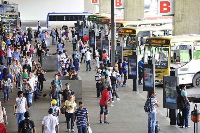 Though only a small part of the solution, Brasília's new law is a step in the right direction to prevent sexual assault and make urban transport safer for women. Photo by Mariana Gill/EMBARQ Brasil.