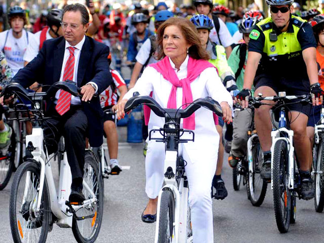 Madrid mayor Ana Botella rides her bike