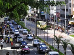 Rather than making traffic worse, complete streets—like this one in Juiz de Fora, Brazil—facilitate more efficient urban mobility by providing adequate, protected space for all. Photo by Mariana Gil/EMBARQ Brasil.