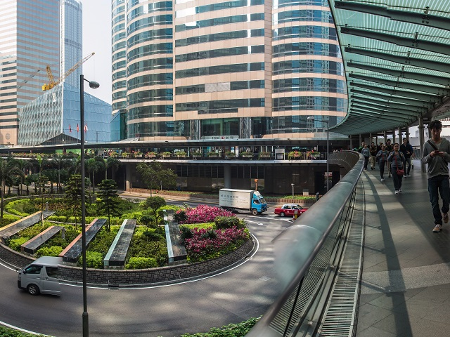 Hong Kong's Skyway (featured)