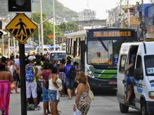 By using the Greenhouse Gas Protocol (GPC) to determine the sources of the city's emissions, Rio de Janeiro was able to set realistic targets to reducing transport emissions. Photo by EMBARQ Brasil/Flickr.