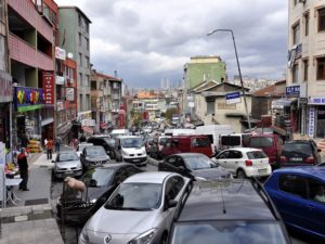 Istanbul's roads buckle under heavy traffic, making commute times into the city extremely high. It's time for Turkey to move away from cars and focus on sustainable mass transport. (Photo: Dan / Flickr)