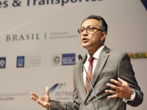 Day 2 of the Cities & Transport International Congress kicked off with a presentation from Ani Dasgupta, Global Director of WRI Ross Center for Sustainable Cities. (Photo: WRI Brasil Cidades Sustentáveis)