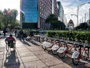Santa Fe's congestion problem is harming employees and the environment. With the launch of the Optimo Network, businesses in Mexico City should assume greater responsibility for their employees' commute. (Photo: Alvaro Sánchez/ Flickr)
