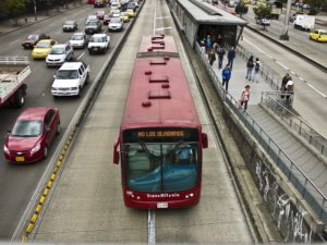 Transmilenio BRT in Bogota, Colombia. Photo by: Comité Internacional de la Cruz Roja / Flickr